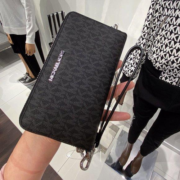 MK JST LG Flat Zip Phone Case Wristlet Black Logo